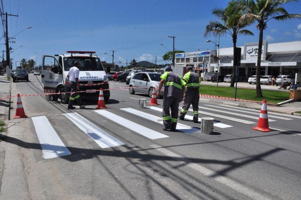 Prefeitura inicia recuperação da pintura de solo das vias
