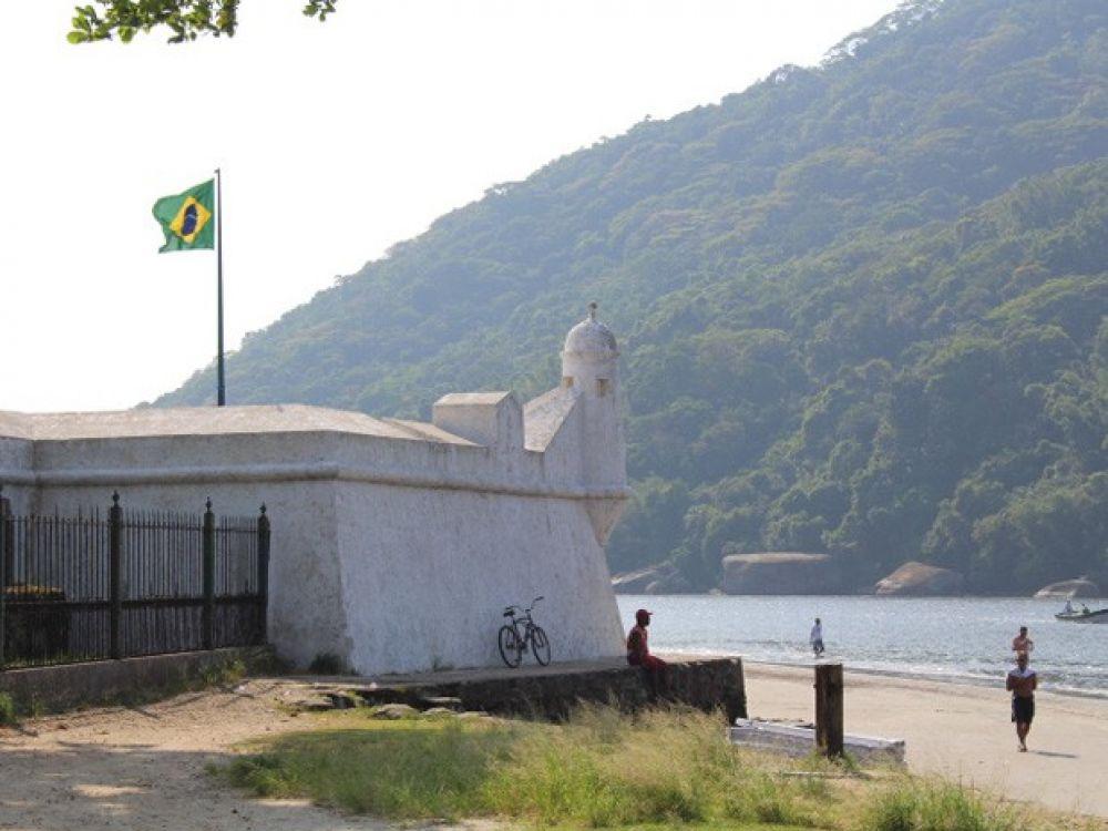 Forte São João reabre após um mês fechado