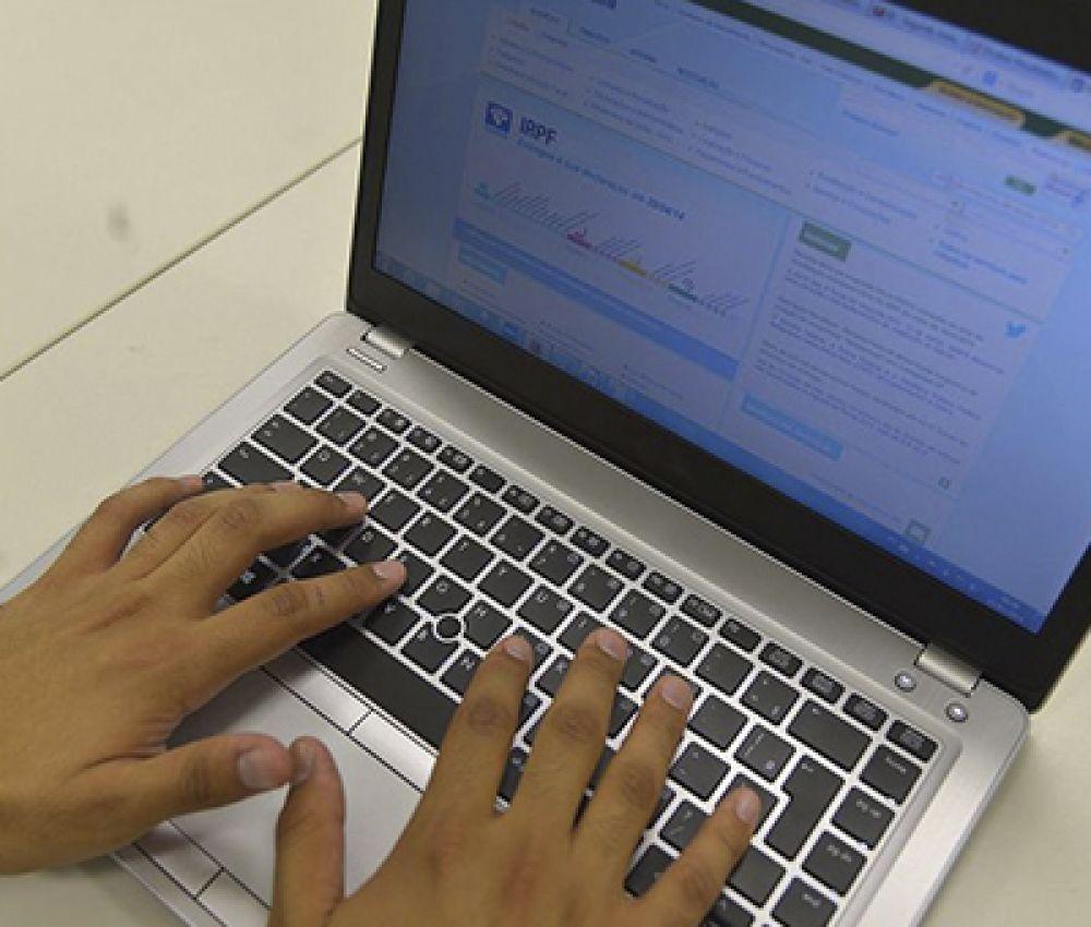 Contribuinte pode aproveitar feriado para preparar declaração do IR